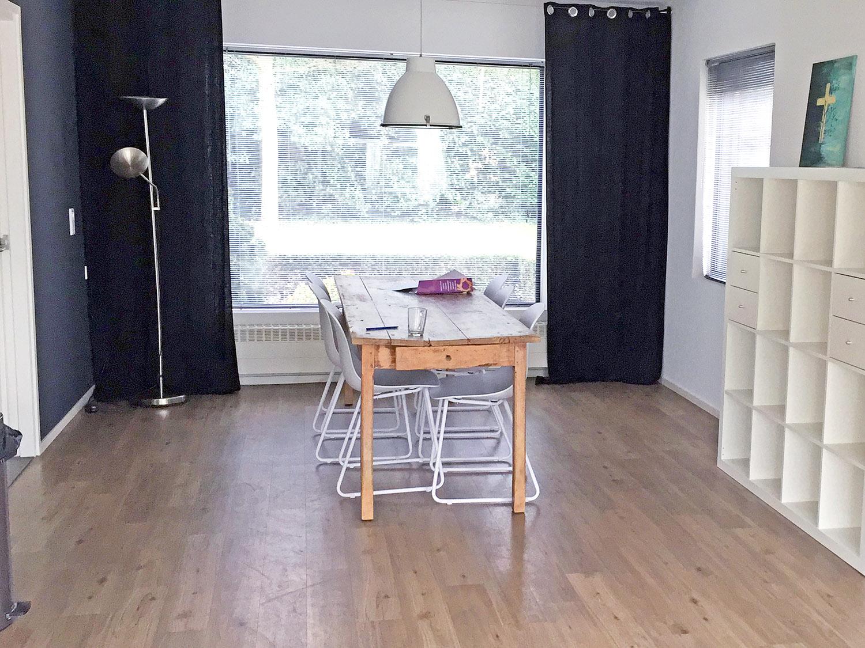 http://rejoicedrunen.nl/wp-content/uploads/Woonkamer-eettafel.jpg